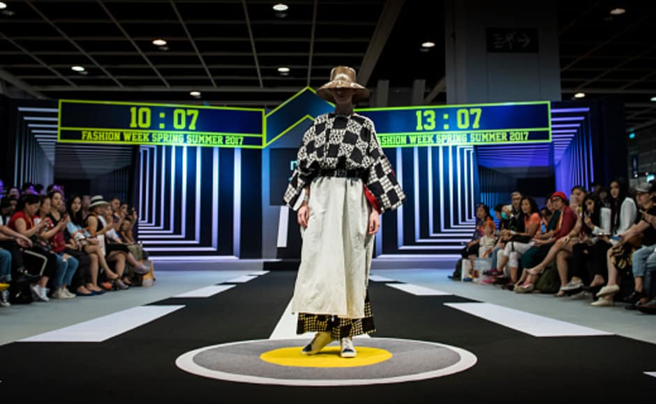 Day 1 of the Hong Kong Fashion week Spring/Summer 2017 hosted on 10 July saw some fabulous showcases by designers. Here we see a model in a creation by Neusa x Purana.