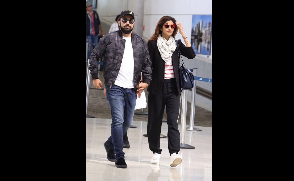 Raj Kundra and Shilpa Shetty have also landed to partake in IIFA celebrations. Image from Twitter/IIFA.