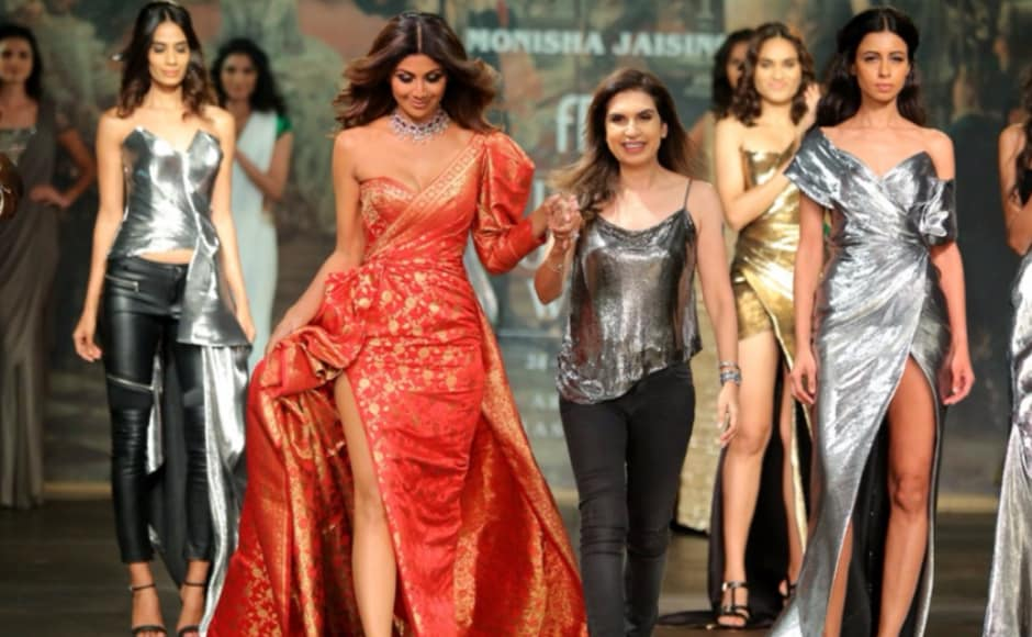 """""""I try to do things differently and I think that is the common thread between the designer and me. The other thing that is common between us is the fact she likes to be a trend setter not trend follower,"""" said Shetty on her connect with Jaising. Image from <em>News 18.</em>"""