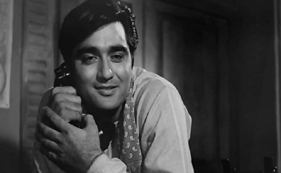 Sunil Dutt was was felicitated at the first-ever IIFA Awards ceremony in 2000 in London.