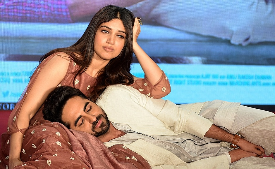 Bollywood actors Bhumi Pednekar and Ayushmann Khurrana pose for a photograph during a promotional event for the forthcoming Hindi film 'Shubh Mangal Saavdhan' directed by RS Prasanna in Mumbai on 1 August 2017, / AFP PHOTO / STR