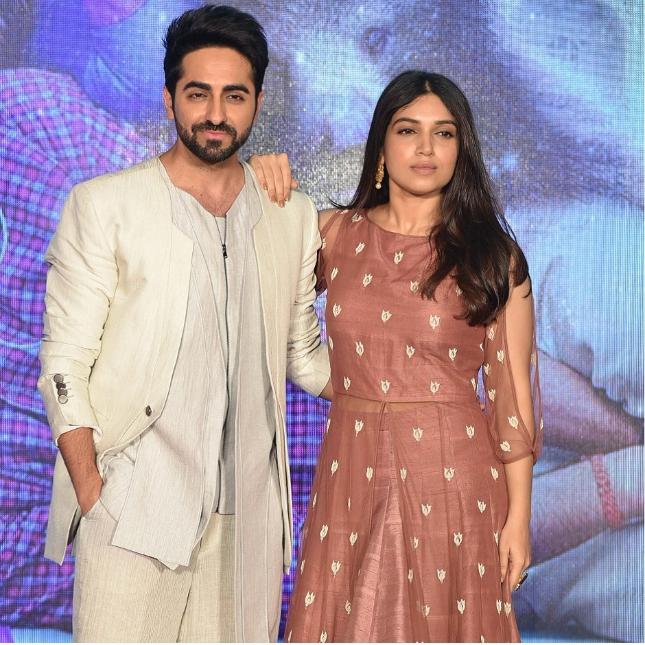 Bhumi Pednekar and Ayushmann Khurrana pose for a photograph during a promotional event for the forthcoming Hindi film 'Shubh Mangal Saavdhan' directed by RS Prasanna in Mumbai on 1 August, 2017, / AFP PHOTO / STR