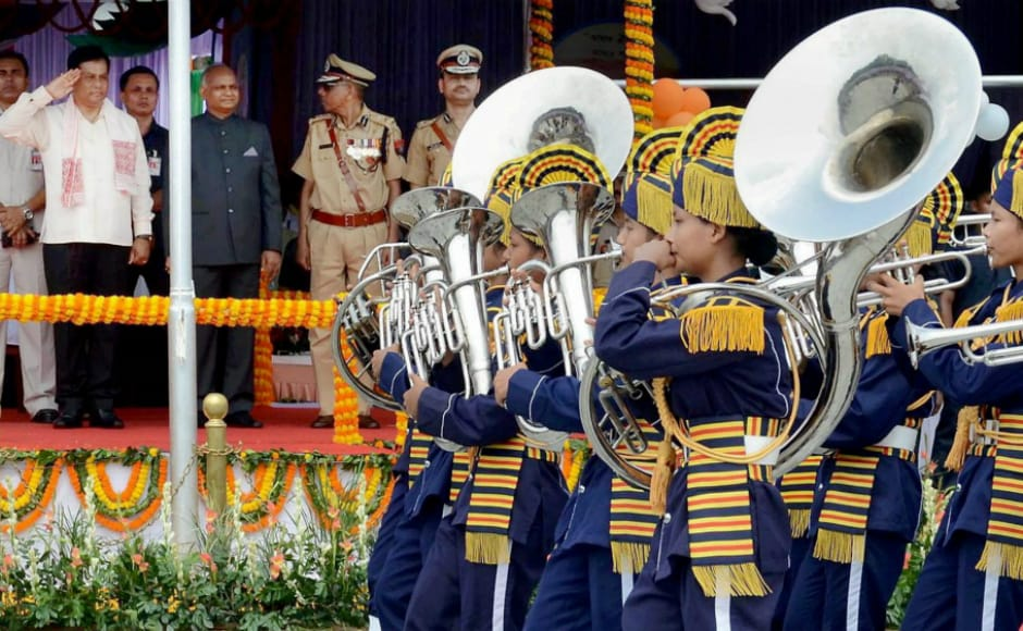 In Assam, Chief Minister Sarbananda Sonowal inspectedthe guard of honor during the Independence Day function at Veterinary College ground in Guwahati. PTI