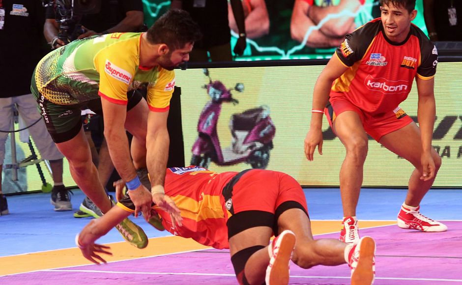 Captain Pardeep Narwal produced another fine performance. He racked up 15 raid points for his side.