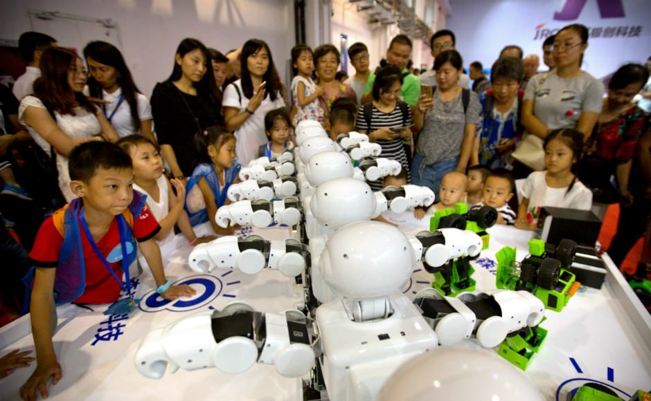 The conference showcased industrial robots, special-purpose robots, service robots, artificial intelligence (AI), smart homes. Innovation in robotics is important for China as it seeks to use robots to boost its manufacturing and service industries. AP