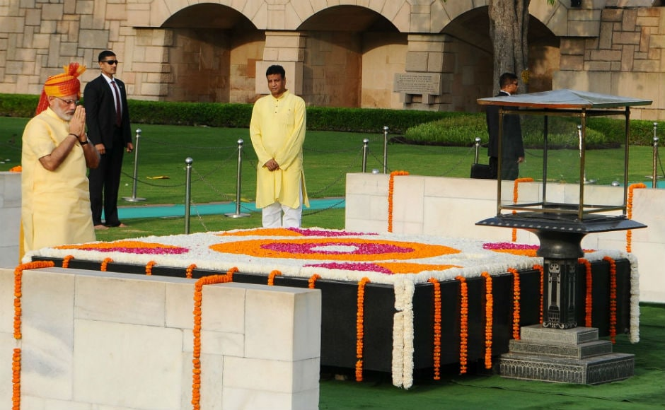 Early morning, the prime minister paid homage to Mahatma Gandhi's memorial at Rajghat before arriving at the Red Fort. Twitter @PIB_India