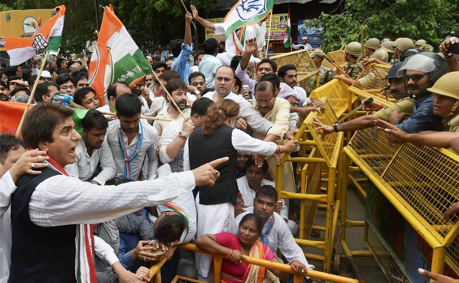 Uttar Pradesh Congress chief Raj Babbar and other party workers protest over the Gorakhpur deathsin Lucknow on Monday. Parents alleged that healthcare took a backseat as politicians started arriving at the BRD Medical College when the hospital staff went about attending to the VIPs. PTI