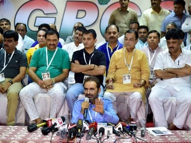File image of Congress Spokesperson Shakti Sinh Gohil speaks as Gujarat Congress MLAs seen behind him during a press conference in Bengaluru. PTI