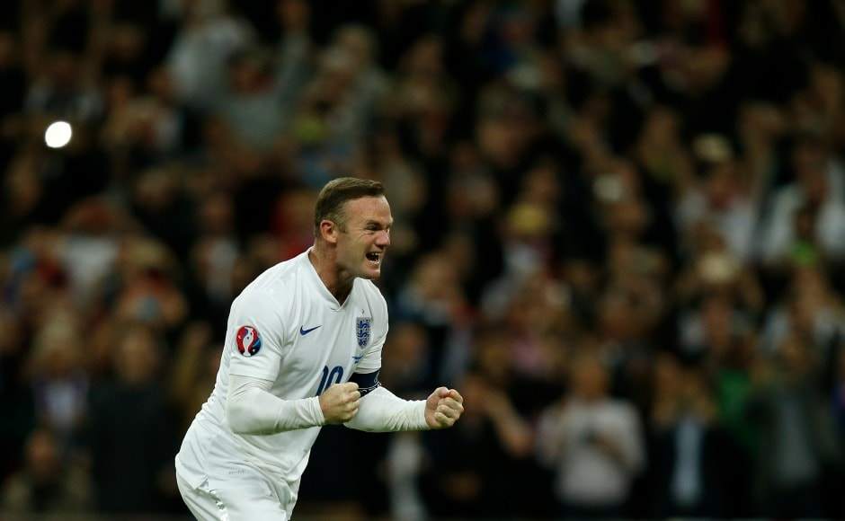 By scoring his penalty against Switzerland in Wembley Stadium in 2015, Wayne Rooney surpassed Sir Bobby Charlton's record and became the highest goal-scorer of England with 50 goals. AFP