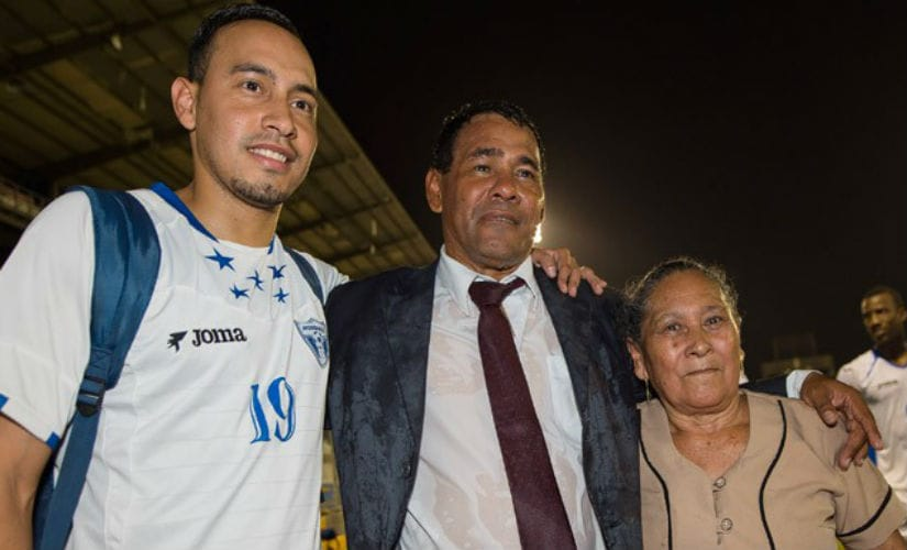 Honduras head coach Jose Valladares (middle) and his mother Angela Rosinda Moncada (right) after the 2015 CONCACAF Under-17 Championship. Credit: CONCACAF website