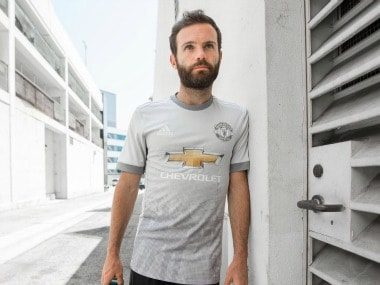 Juan Mata of Manchester United will donate 1 percent of career earning. twitter.com/@juanmata8