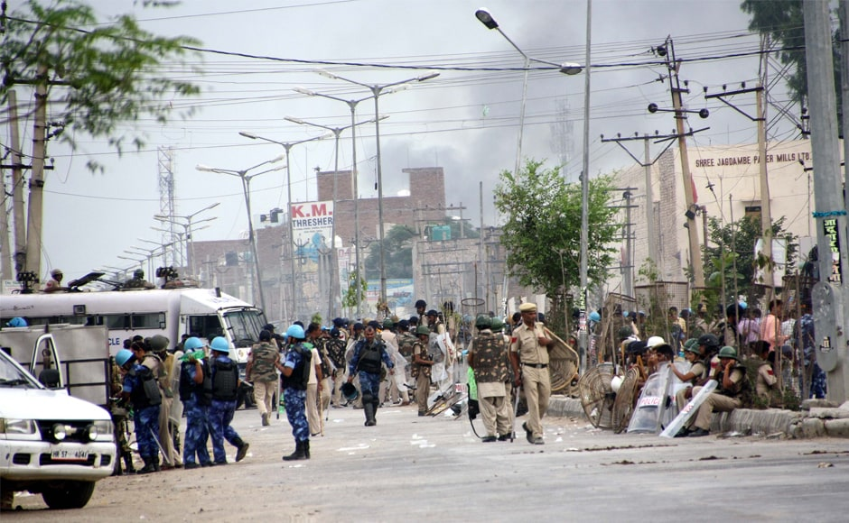 In view of the verdict, the police and paramilitary forces had prepared to deal with the law and order situation in Sirsa on Friday. The police also blocked the road using razor wires. Manoj Dhaka/ Firstpost