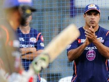 File image of Robin Singh. Image courtesy: Twitter @mipaltan
