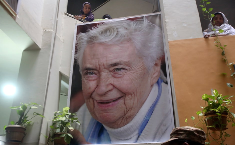 Pakistan's 'Mother Teresa&#039 Ruth Pfau laid to rest in Karachi