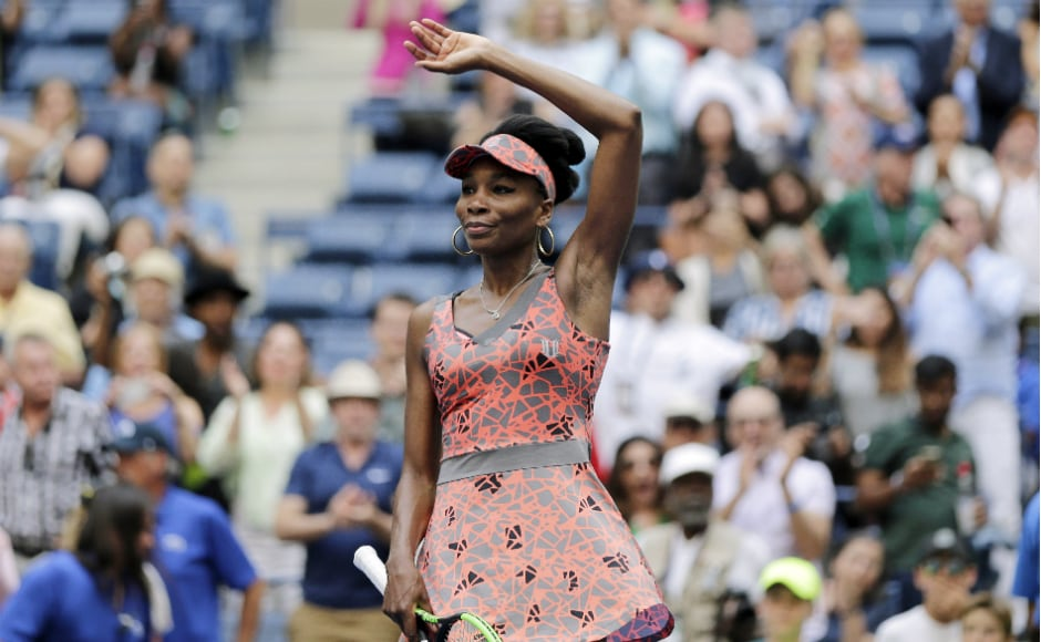 The evergreen Venus Williams shook off a mid-match lapse to improve to 19-0 in the US Open's first round and stay in the hunt for the No 1 ranking. AP