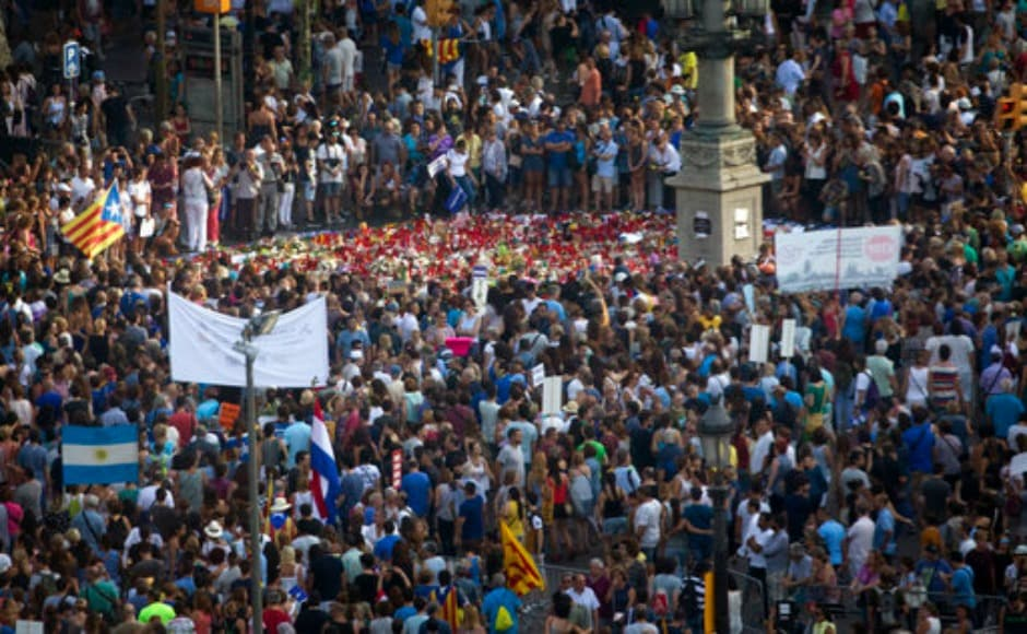 Spanish prime minister Mariano Rajoy urged Spaniards to turn out in force to show their