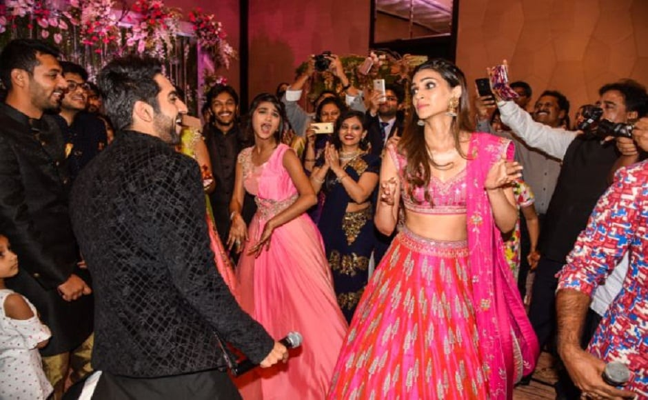 To Kriti's surprise, there was a teenage girl there who knew all the steps from the song