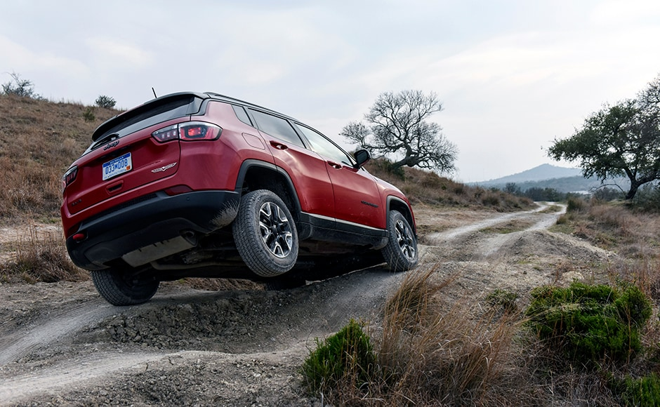 Jeep's Active Drive 4x4 System has a rear axle disconnect that seamlessly switches between two and four-wheel drive to help increase efficiency