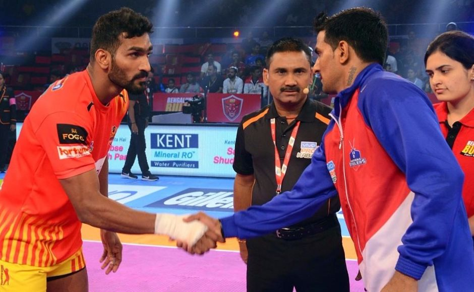 Newcomers Haryana Steelers and Gujarat Fortunegiants met for the second time in this season since their 27-27 tie in an earlier meet. Image courtesy: PKL