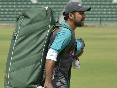 Sarfraz Ahmad arrives to attend a training session at the Gaddafi Cricket Stadium in Lahore on September 19, 2017, ahead of the forthcoming cricket series between Pakistan and Sri Lanka, playing in United Arab Emirates (UAE). / AFP PHOTO / ARIF ALI
