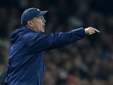 West Bromwich Albion's Welsh head coach Tony Pulis shouts instructions to his players from the touchline during the English Premier League football match between Arsenal and West Bromwich Albion at the Emirates Stadium in London on September 25, 2017. / AFP PHOTO / Ian KINGTON / RESTRICTED TO EDITORIAL USE. No use with unauthorized audio, video, data, fixture lists, club/league logos or 'live' services. Online in-match use limited to 75 images, no video emulation. No use in betting, games or single club/league/player publications. /