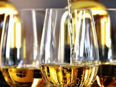 Sri Lanka lifts 39-year-old ban on women buying alcohol, govt says aim is to 'restore gender neutrality'