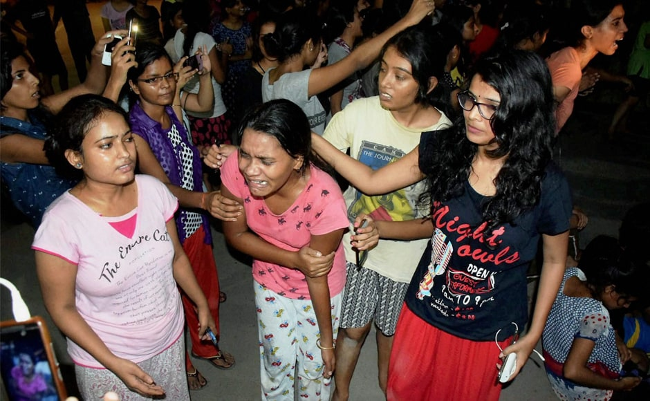 Several female students were injured when the police allegedly used force to remove protesters from outside the vice-chancellor's residence. The students claimed that the police lathicharged them and pulled them by the hair. PTI