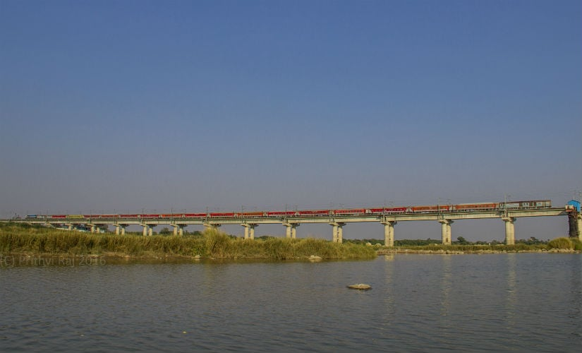The Nizamuddin- Bengaluru Rajdhani Express at Krishna River Bridge near Vishakhapatnam. Photo credit: Prithvi Raj