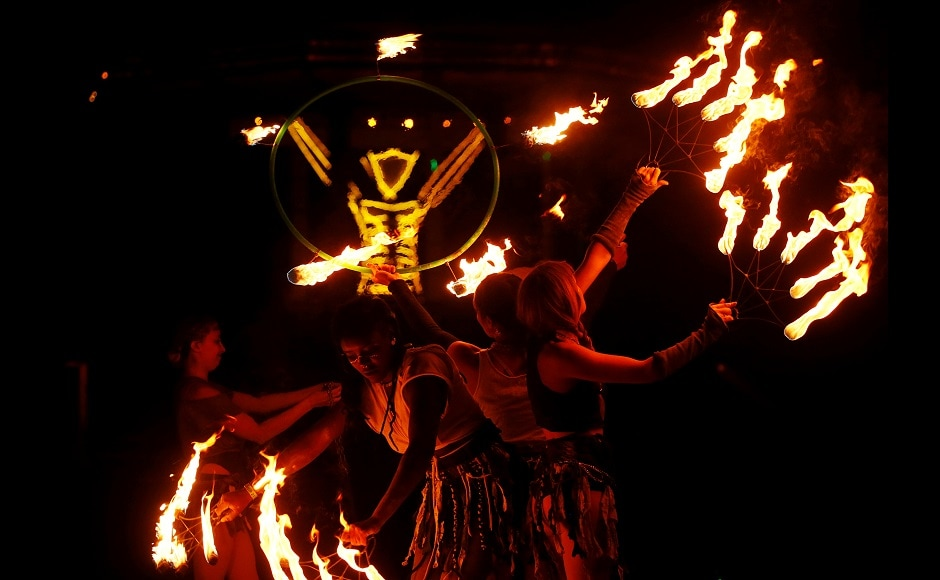 Man dies after running into flames at the fire festival in US