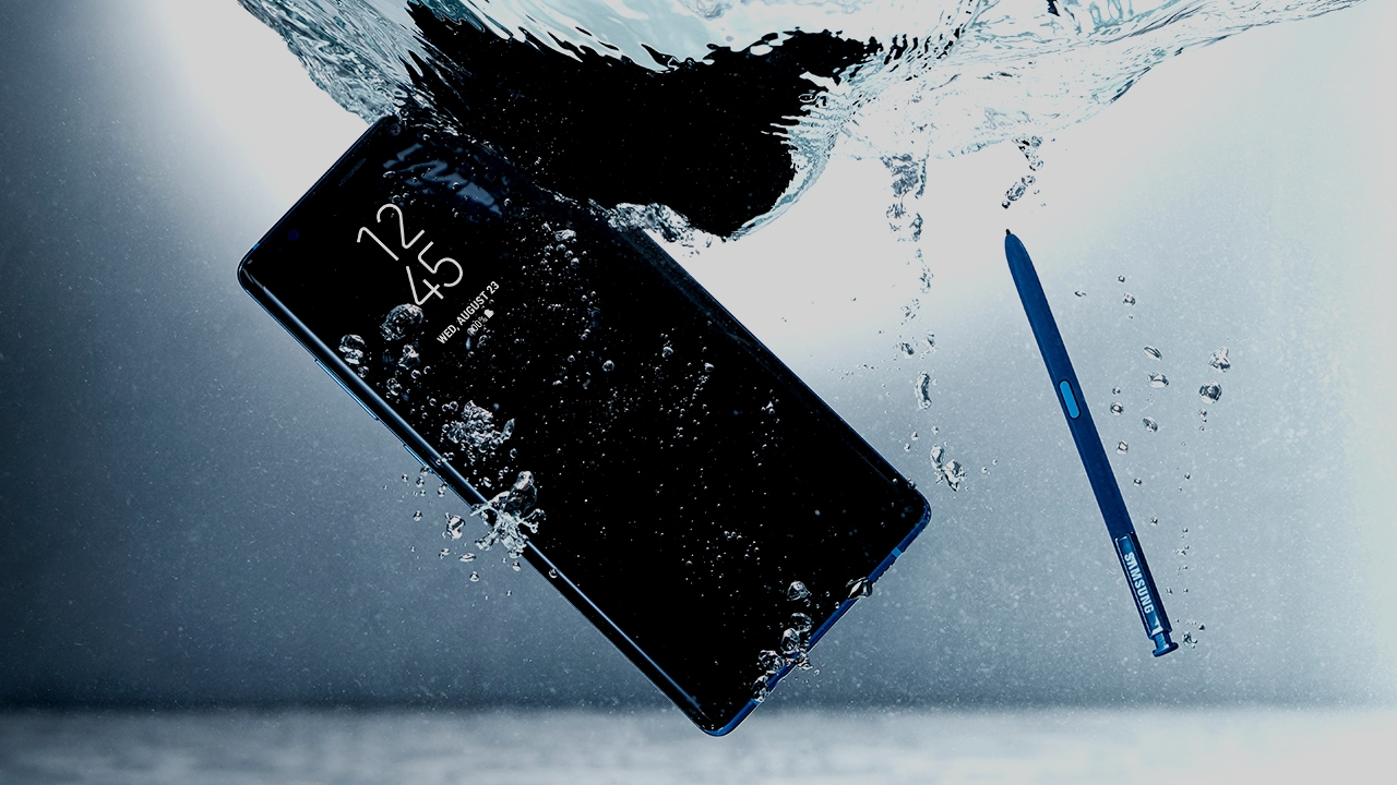 The phone is completely waterproof, even when the S Pen is out.