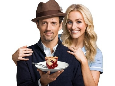 Jason Mraz joins the cast of the musical Waitress. Image from Twitter/@THR.