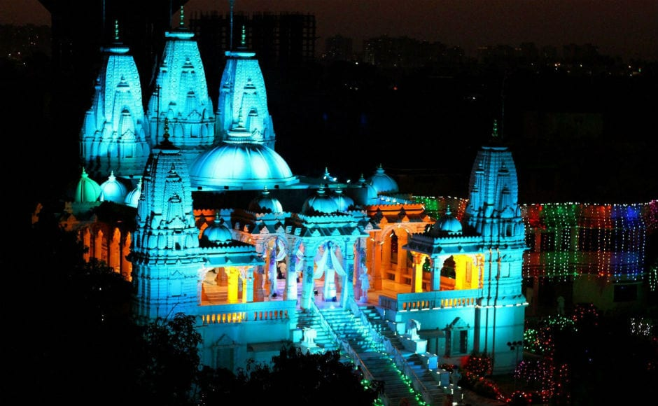 The Swaminaryan temple in Surat too lit up on the occasion of diwali. Diwali is also celebrated as a harvest festival by farmers to commemmorate the advent of wealth and happiness. PTI