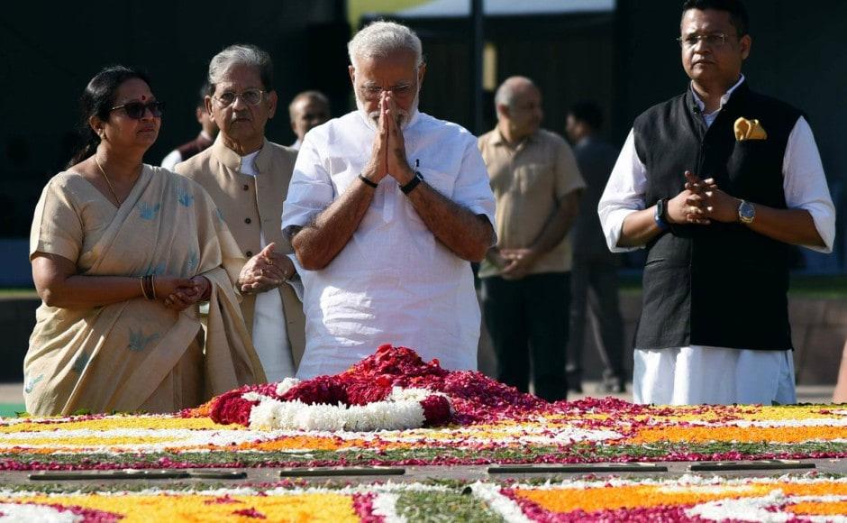 Prime Minister Narendra Modi on Monday reached Raj Ghat in New Delhi to pay tributes to Mahatma Gandhi on his birth anniversary. Twitter / @narendramodi