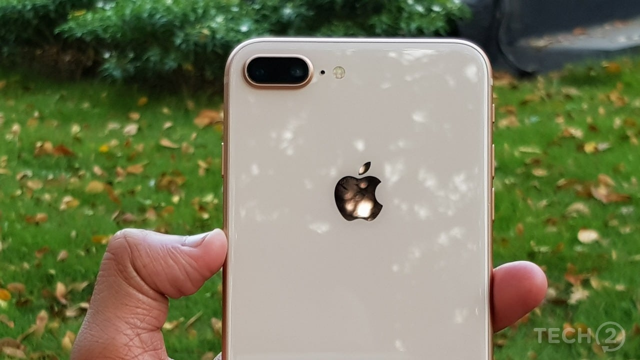 The rear glass back provides a good grip. Thanks to the Copper gold colour, fingerprint smudges aren't that easily visible. Image: Nimish Sawant/tech2