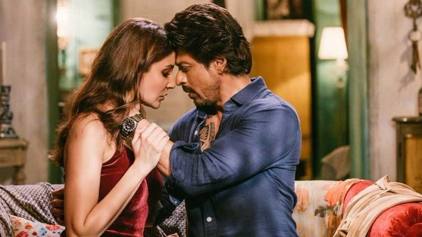 Anushka Sharma and Shah Rukh Khan in a still from Jab Harry Met Sejal