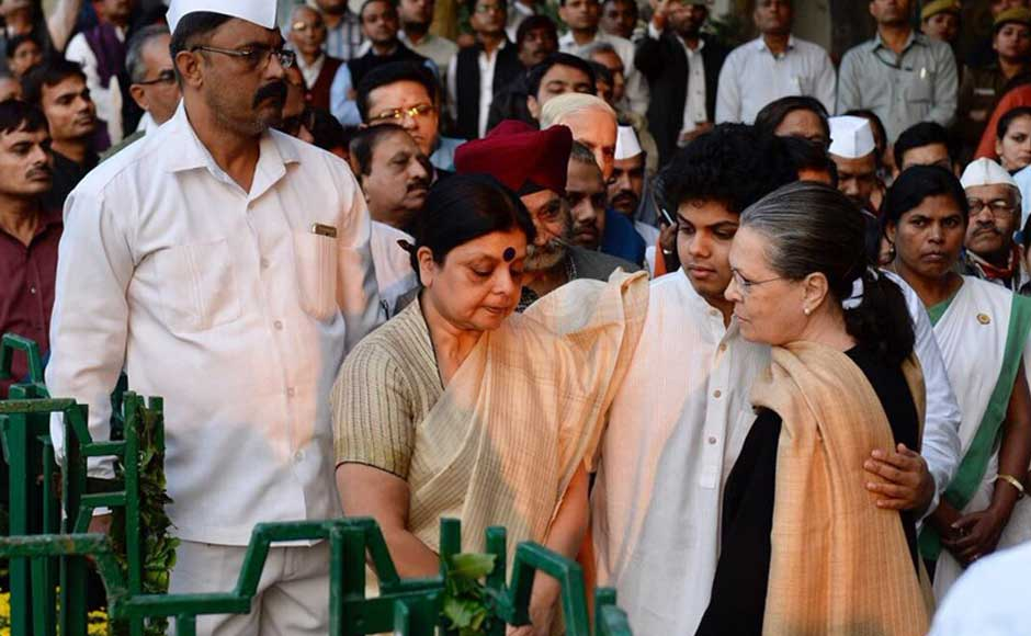 Congress president Sonia Gandhi condoled the demise of the senior Congress leader, saying it is an
