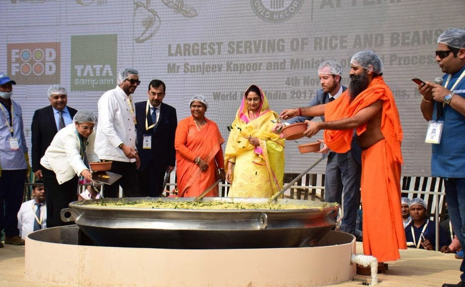 All of the 900 kilograms of khichdi will be distributed among orphans by Akshaya Patra Foundation and Gurudwara to about 60,000 people. Twitter@SwamiRamdev
