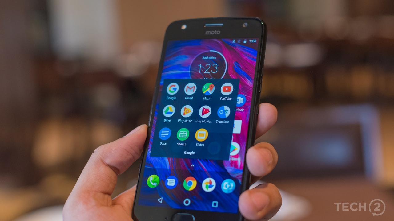 Motorola decided to drop Android One for its Indian version of the Moto X, opting to continue with its familiar stock-like UI with rounded App icons. Image: tech2/ Rehan Hooda