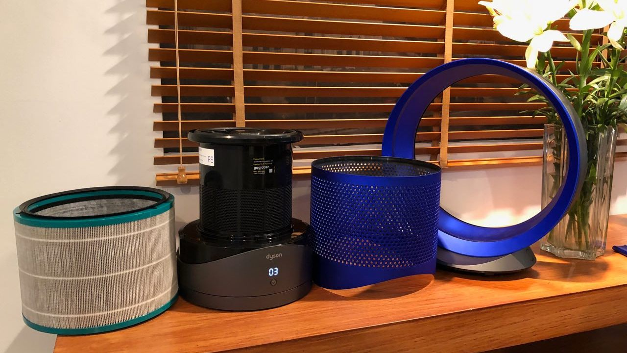 The Dyson air purifier is easy to dismantle to replace the HEPA filter