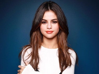 AMAs 2017: Selena Gomez accused of lip-syncing during her performance at the award show