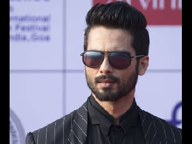 Shahid Kapoor may reprise Manoj Kumar's role in remake of Wo Kaun Thi; KriArj acquires film rights