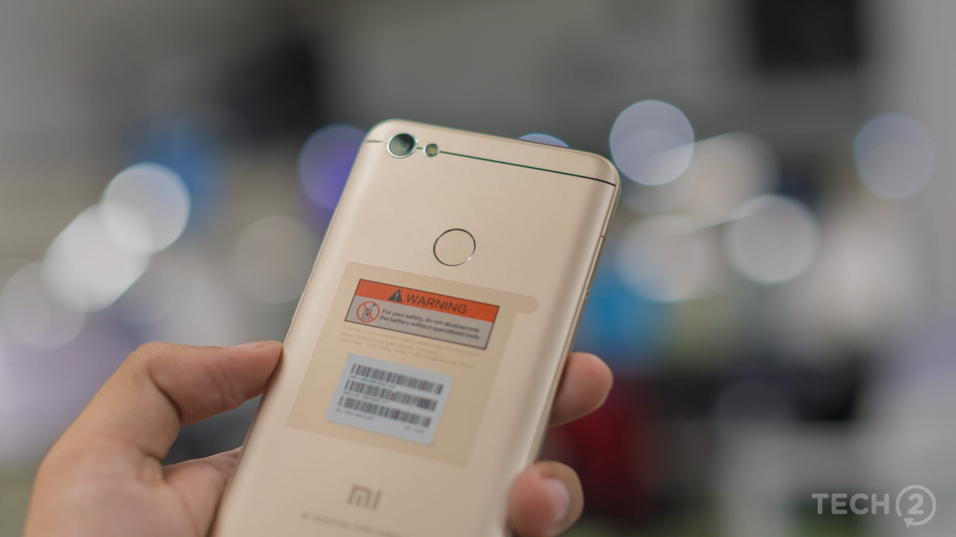 The fingerprint scanner is placed on the back of the Xiaomi Redmi Y1. Image: tech2/Rehan Hooda