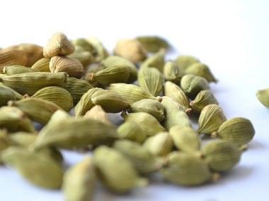 Cardamom seeds. Image Credits PDPics/Pixabay
