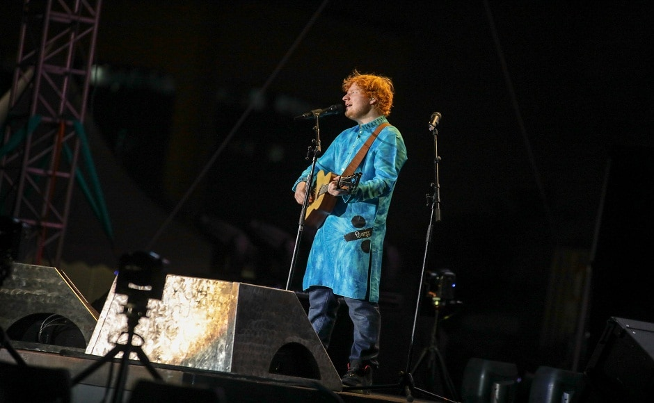 The 'Shape Of You' hitmaker donned a blue kurta, paired with denims, embellished with the name of his popular album Divide in Devnagari