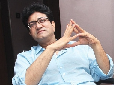 Padmaavat: Allahabad HC issues contempt notice to Prasoon Joshi for not responding to plea against film
