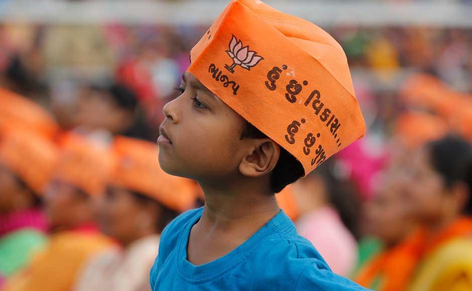Narendra Modi in Gujarat PM holds 'vikas rallies&#039 in Bharuch Surendranagar and Rajkot