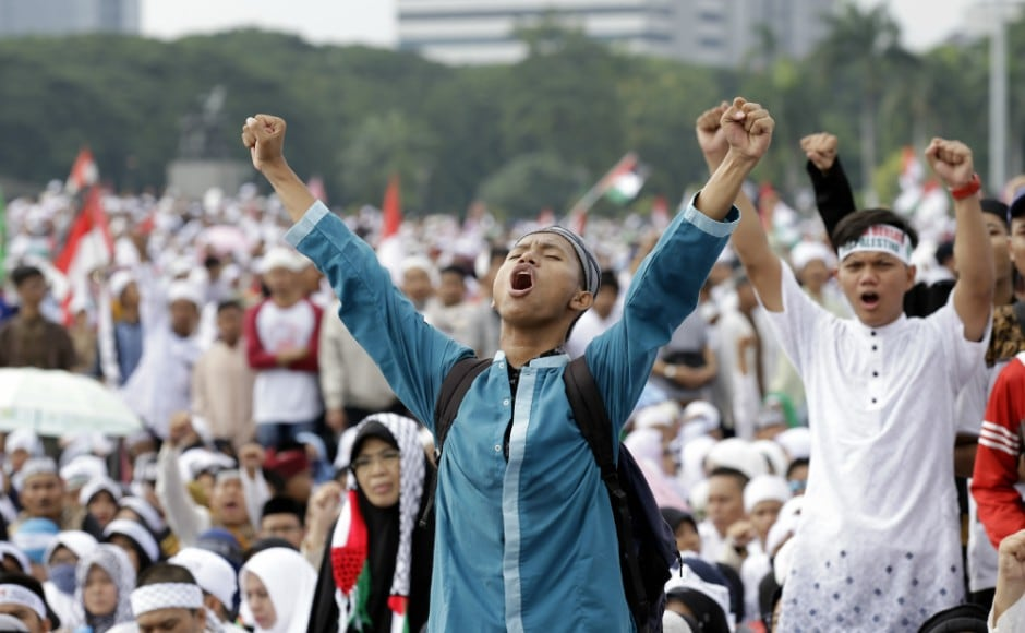 Indonesians rally over Trump Jerusalem stance