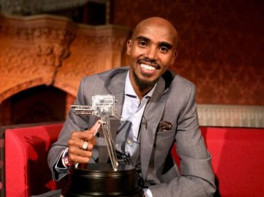 Mo Farah with the BBC Sports Personality of the Year award. Image courtesy: Twitter @BBCSport