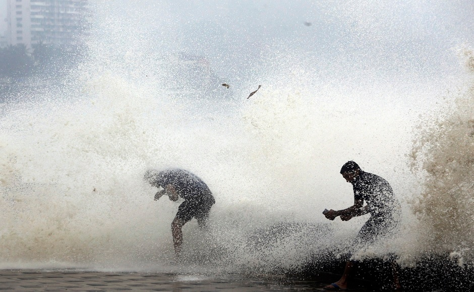 On Tuesday, the Arabian Sea recorded a high tide of 5.04 metres.It is expected to be 5.05 metres on Wednesday, BMC warned. The weather office issued a rain and thundershower warning for Mumbai and suburbs. AP