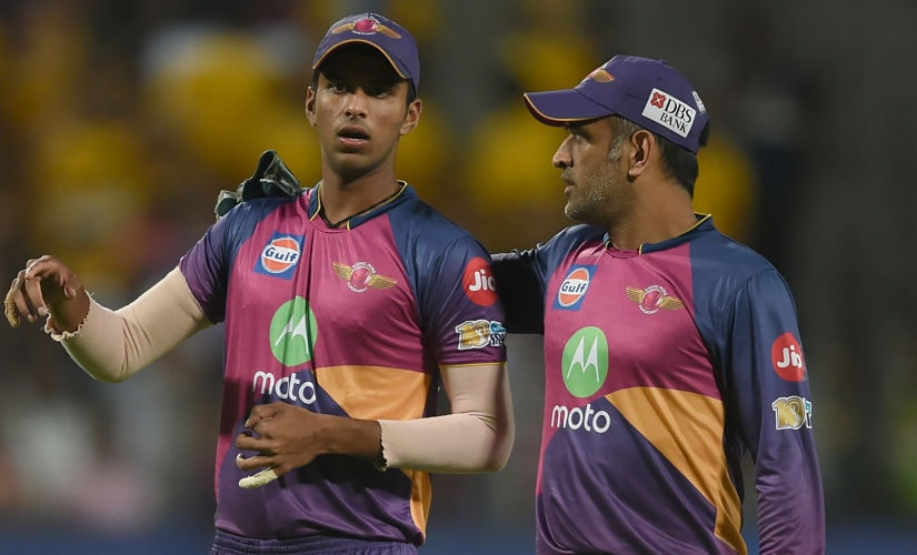 """People like Mahi bhai and Smith helped me a lot to stay in the present and made sure I know what to do."": Washington"